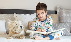 purina-reasons-reading-to-kids-benefits-dogs