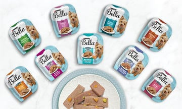 bella wet dog food family shot